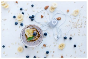 Banana, Blueberry, Almond & Oat Smoothie
